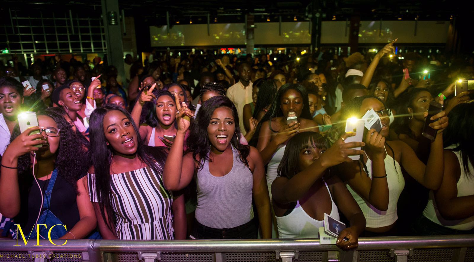 Sarkodie pulls a surprise on R2Bees at Afrobeats Music Festival in