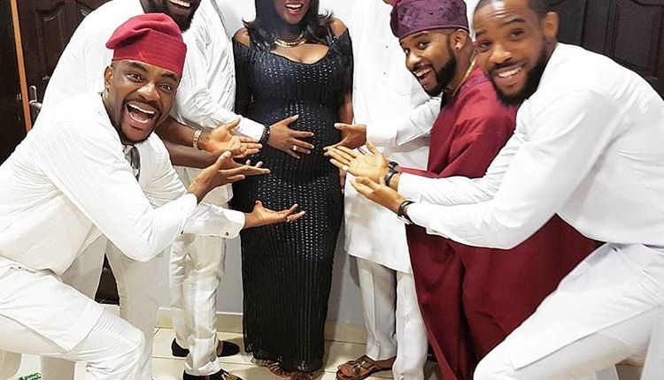 Toolz heavily pregnant with friends