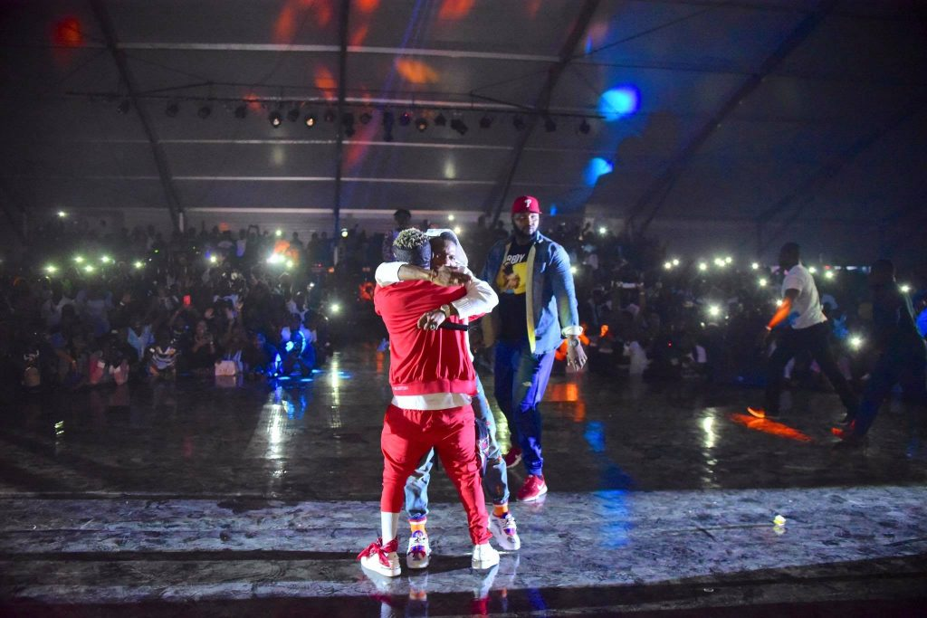 Video: Wizkid Introduces Shatta Wale, Tiwa Savage At Ghana Meets